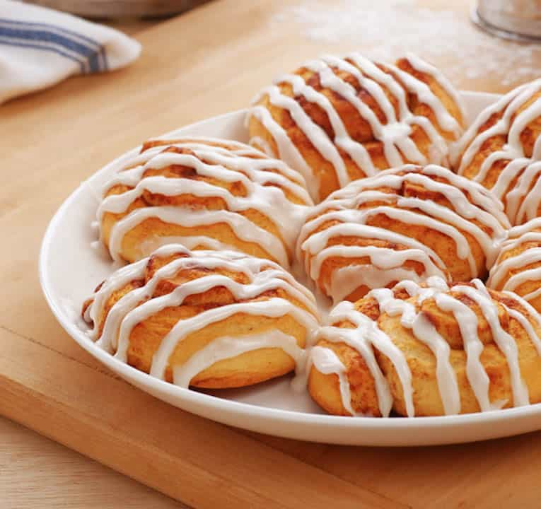 light and gooey cinnamon rolls the picky eater. Black Bedroom Furniture Sets. Home Design Ideas